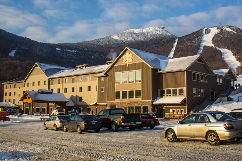 H bergements partenaires vermont express tours for Glissade interieur jay peak